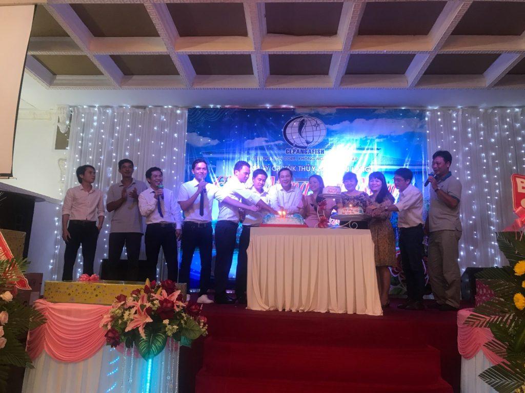 Trong ngày 22/11/2017 vừa qua Tập thể Công ty CP XNK Thuỷ Sản Cửu Long long trọng tổ chức buổi lễ kỷ niệm 11 năm thành lập Công ty.Đánh dấu thêm một bước ngoặc trưởng thành và phát triển.
